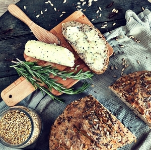 Wholegrain bread with herb butter